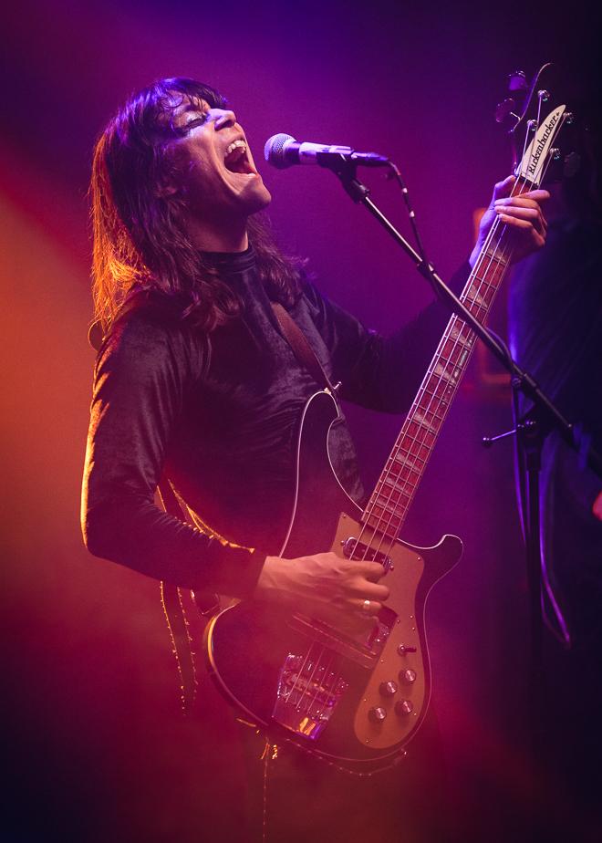 Tommy Alexandersson - sångare och basist i Hällas
