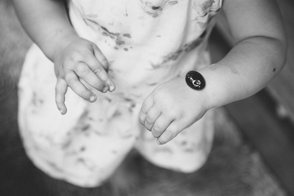 Barn med blank sten